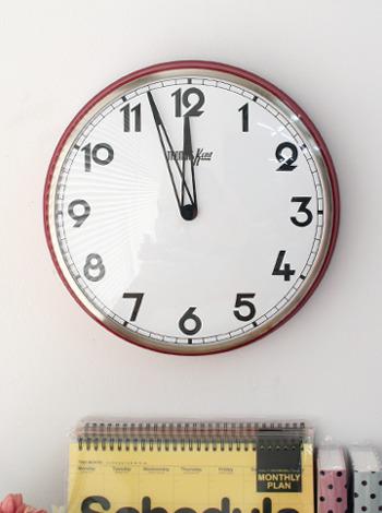 토마스 빅라운드 시계-레드 [제작 대량 도매 로고 인쇄 레이저 마킹 각인 나염 실크 uv 포장 공장 문의는 네이뽕]